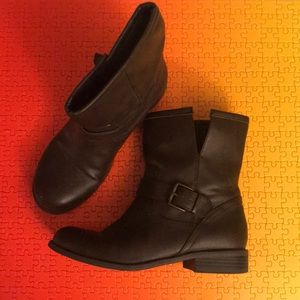 Brown Mid-Height Boots